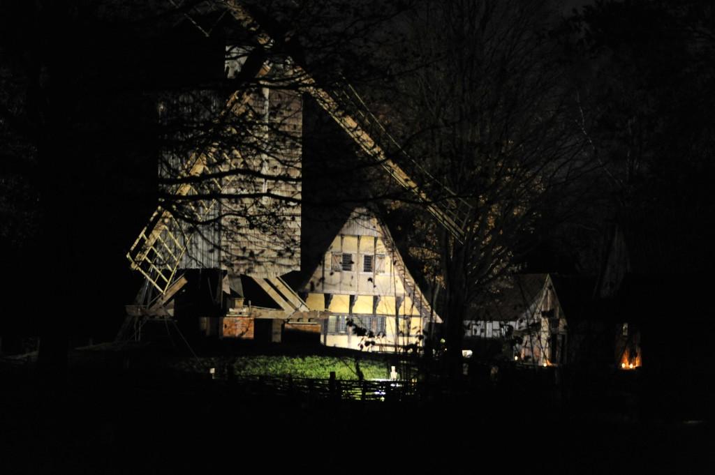 Nachts auf dem Mühlenhof